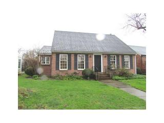 27 Lincoln Woods Ln, Buffalo, NY 14222