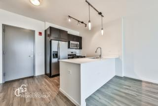 3736 North Halsted Street, Chicago IL
