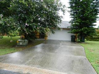 302 Louis Edward Court, Lakeland FL