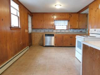 105 5th Ave, Lowell, MA 01854