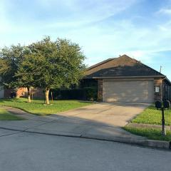 3003 Kings Isle Ln, Dickinson, TX 77539
