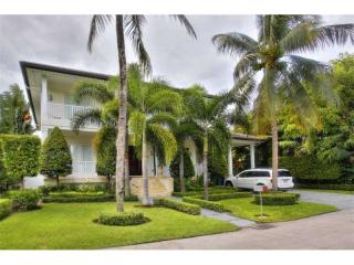 355 Harbor Court, Key Biscayne FL