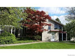 2901 Lola Court, Waterford Township MI