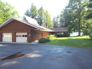 129 Juergen Point, Mayfield NY