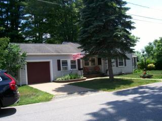 15 Woods Ave, Haverhill, MA 01830