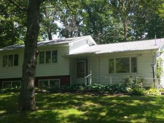 1500 West Ridgewood Drive, Cedar Falls IA
