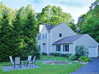 79 Heather Glen Ln, Mystic, CT 06355