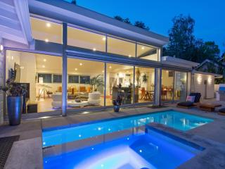 2640 Hutton Drive, Beverly Hills CA
