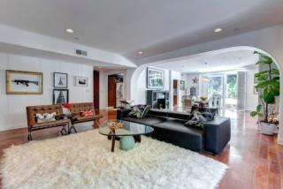 8609 West West Knoll Drive, West Hollywood CA