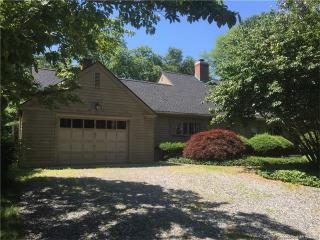 1 Money Point Rd, Mystic, CT 06355