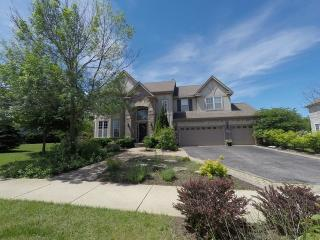 26211 Whispering Woods Cir, Plainfield, IL 60585