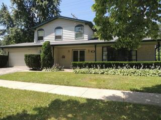 840 Laramie Avenue, Glenview IL