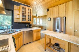 1324 Banff Dr, Pine Mountain Club, CA 93222