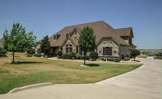 6947 Mustang Creek Drive, Benbrook TX