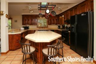 283 Duck Rd, Southern Shores, NC 27949