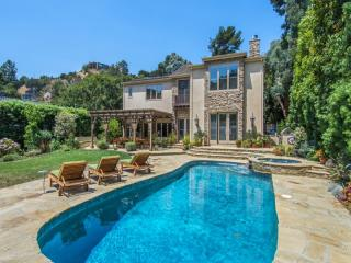 1740 La Fontaine Court, Beverly Hills CA