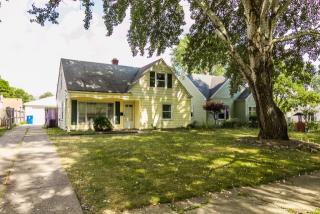 6877 Beresford Ave, Parma Heights, OH 44130