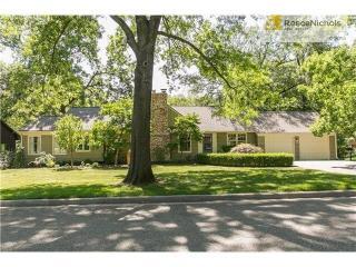 8302 Cherokee Lane, Leawood KS