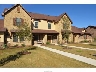 3211 Sergeant Drive, College Station TX