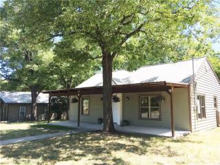 419 West Water Street, Weatherford TX