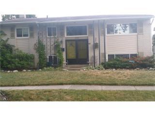 2058 Serra Drive, Sterling Heights MI