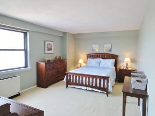 8 Whittier Pl #8C, Boston, MA 02114