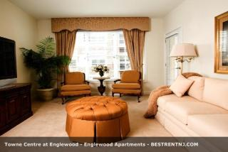 20 W Palisade Ave, Englewood, NJ 07631