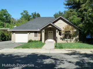 2604 Russell St, Redding, CA 96001