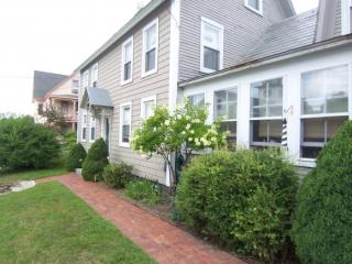 59 Upper Main St #3, Sunapee, NH 03782
