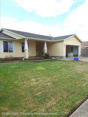 3338 Clearwater Dr NE, Albany, OR 97321