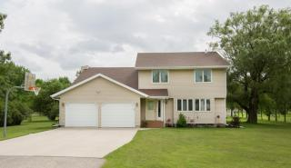 4717 Bakers Lane, Reiles Acres ND