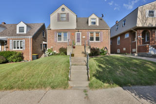 18133 Ridgewood Avenue, Lansing IL
