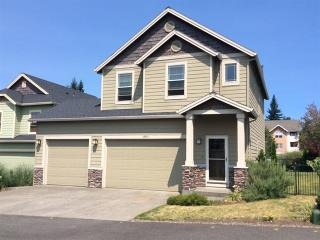 18543 Pacific Ave, Sandy, OR 97055