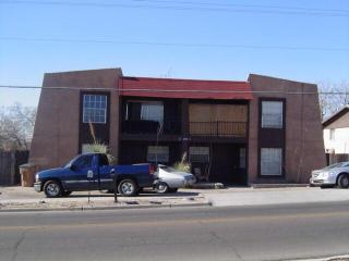 1852 S Triviz Dr, Las Cruces, NM 88001