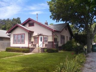 518 W Court St, Beatrice, NE 68310