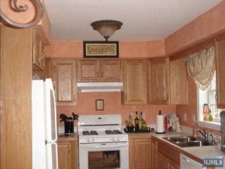 124 Home Place #16, Lodi NJ