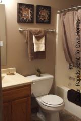 2104 25th St SW, Cedar Rapids, IA 52404