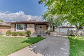 16537 Terry Court, Oak Forest IL
