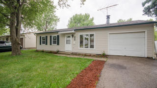 830 Post Lane, Streamwood IL