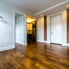 1625 Putnam Ave #4W, Queens, NY 11385