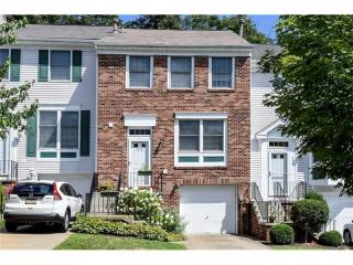 638 Parkridge Lane, Moon Township PA