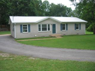 5755 Tacketts Branch Rd, Goodspring, TN 38460