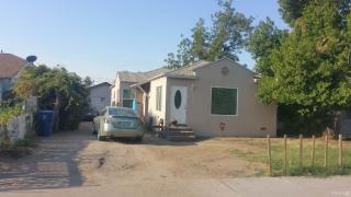 219 8th St, Bakersfield, CA 93304