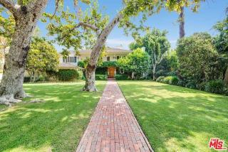 718 N Palm Dr, Beverly Hills, CA 90210