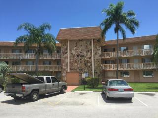 500 Village Green Circle West #307, Palm Springs FL