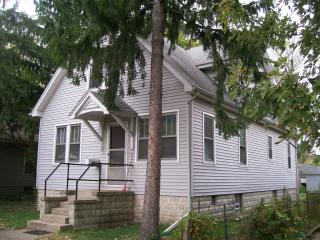 2744 Fayette St, Lake Station, IN 46405