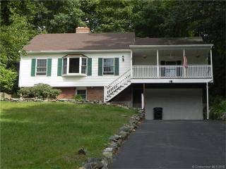 48 Terry Rd, Gales Ferry, CT 06335