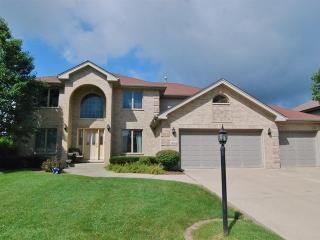 14814 Landings Lane, Oak Forest IL