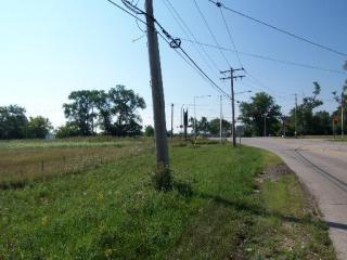214 Raffel Road, Woodstock IL