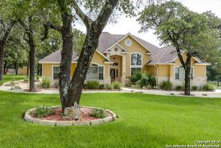 391 Rosewood Drive, La Vernia TX